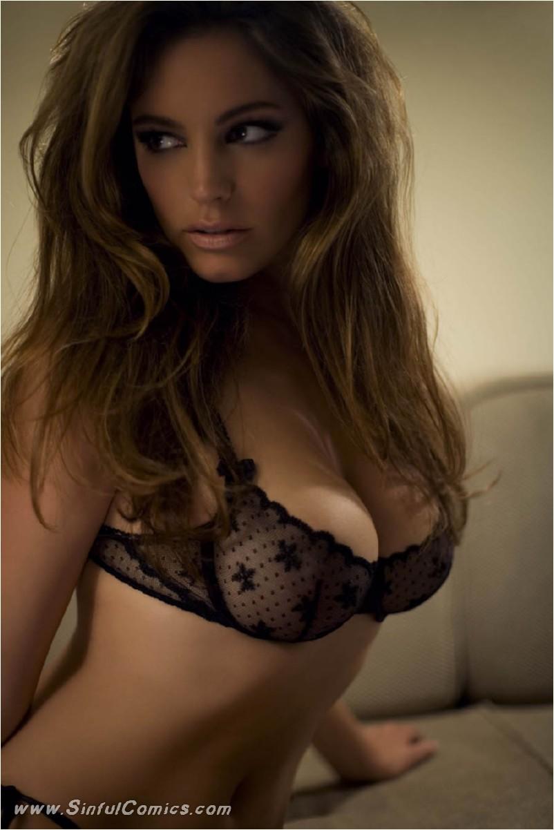 image Stunning blonde babe emily kae toys her pussy to orgasm