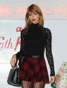 TAYLOR SWIFT war bei Cath Kidston in London shoppen