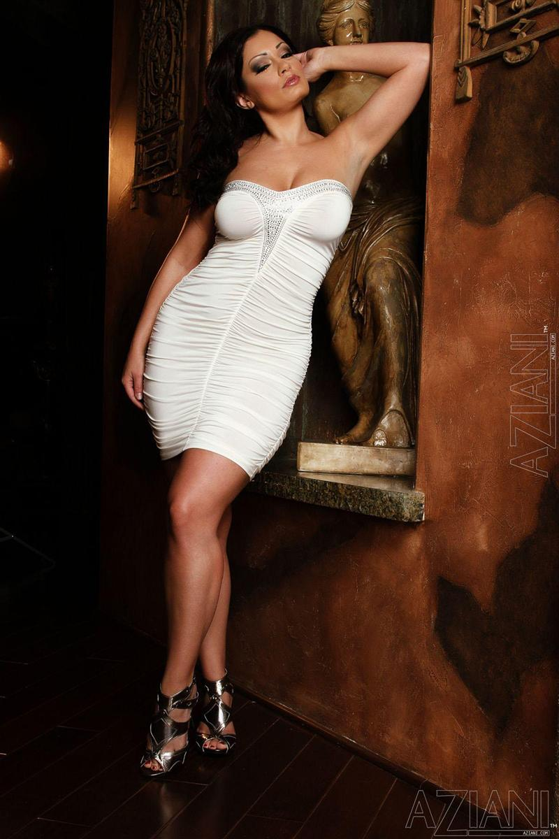 Brunette MILF Aria Giovanni slips out of her see thru dress № 1078759 бесплатно